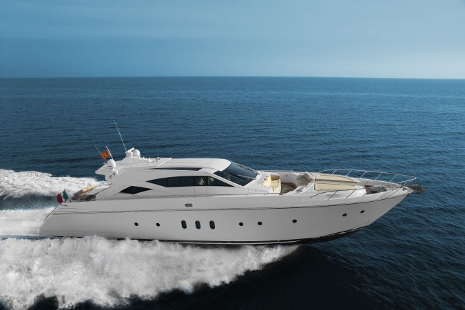 Trilly è lo yacht da sogno che puoi noleggiare per una settimana