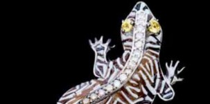 Sicis Jewelry: Geck-o (white gold, diamonds, black and brown diamonds, yellow sapphires and micro mosaic)