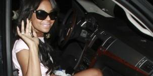 La cantanta Ashanti indossa il sandalo Grey Mer versione rettile