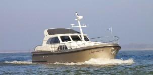 Range Cruiser 430 Sedan Variotop by Linssen Yacht