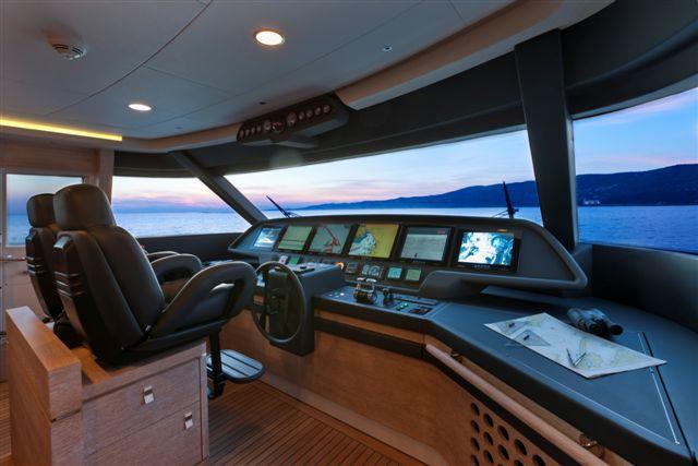 Navetta 33 crescendo il nuovo yacht firmato gruppo for Noleggio cabina di lusso in montagna in virginia