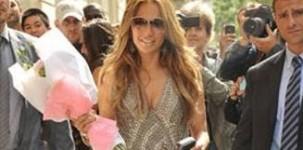 Jennifer Lopez indossa scarpa Zafira by Jimmy Choo