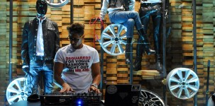 VFNO Vogue Fashion Night Out con Dean e Dan Caten dedicata alla MINI: Dj set esterno