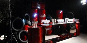 VFNO Vogue Fashion Night Out con Dean e Dan Caten dedicata alla MINI: allestimento champagne bar