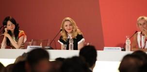 Madonna, in veste di regista, durante la conferenza stampa di presentazione del film W.E. (foto ASAC)