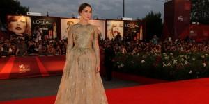 Keira Knightley sul red carpet della Mostra del Cinema di Venezia (foto ASAC)