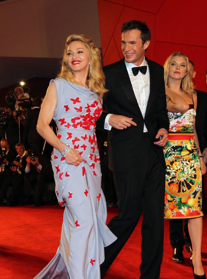 """Madonna sul red carpet con due degli attori del cast del film """"W.E."""": James D'Arcy e Abbie Cornish (foto ASAC)"""