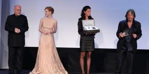 Venezia 2011: Marco Mueller e Jessica Chastain consegnano ad Al Pacino il Jaeger-Le Coultre Glory Award